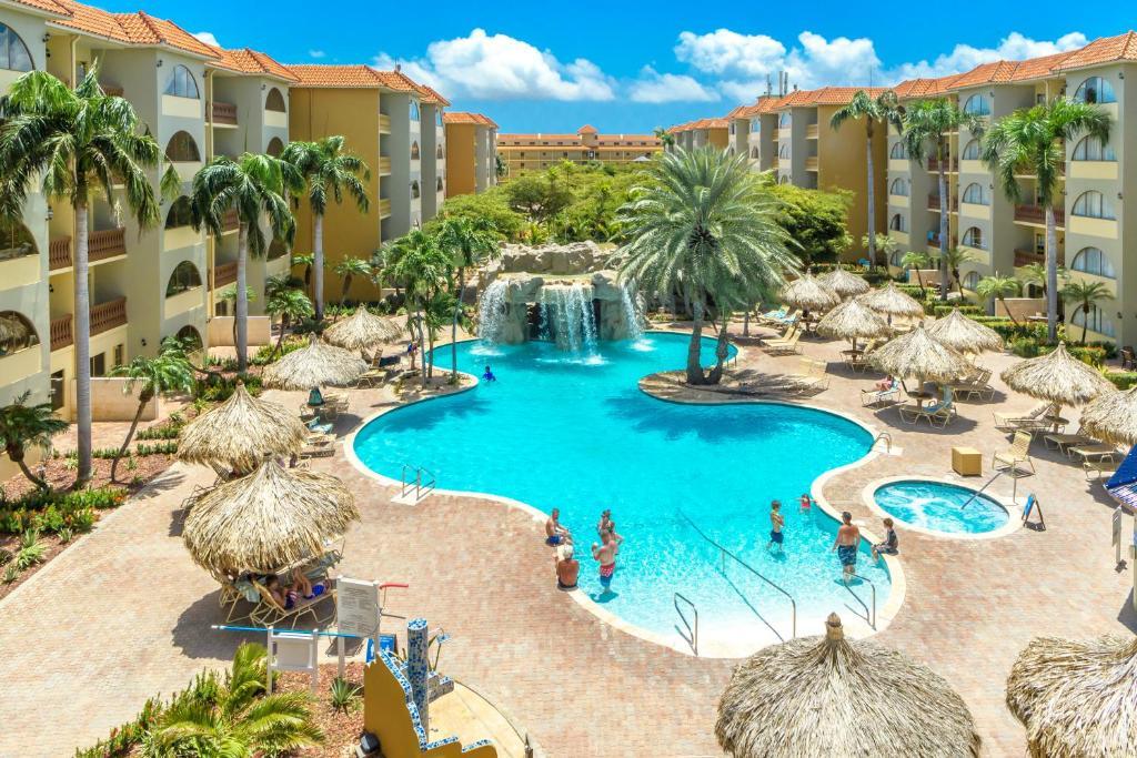 Uma vista da piscina em Eagle Aruba Resort & Casino ou nos arredores