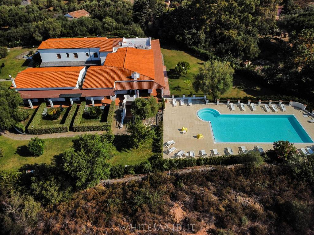 A bird's-eye view of White Sand Residence