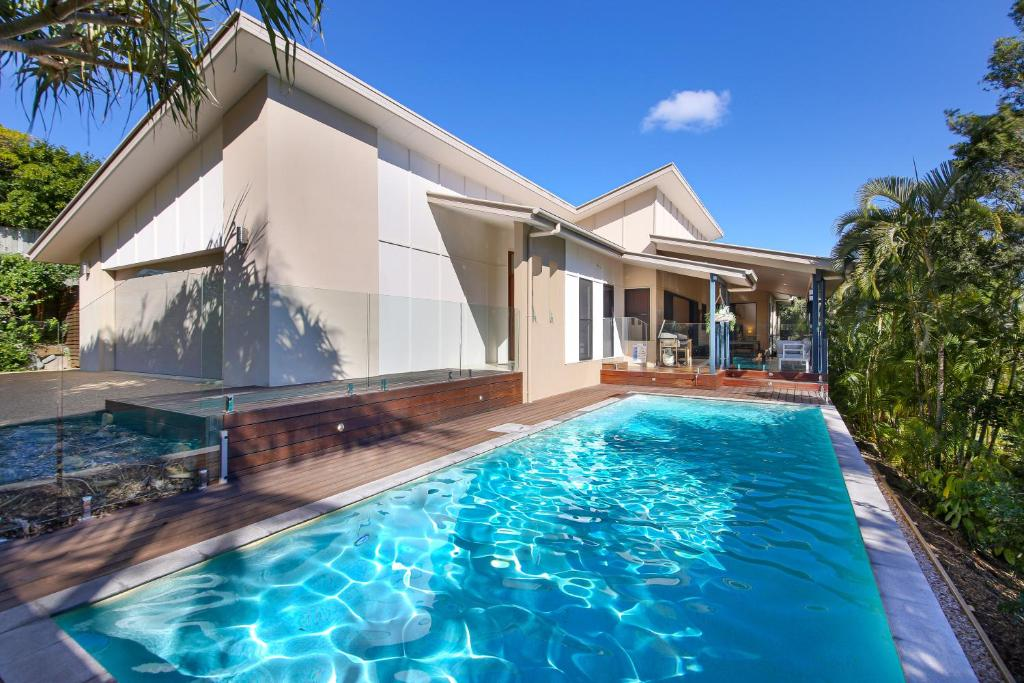 The swimming pool at or near 20 Avalon Street Coolum Beach - Pets Welcome