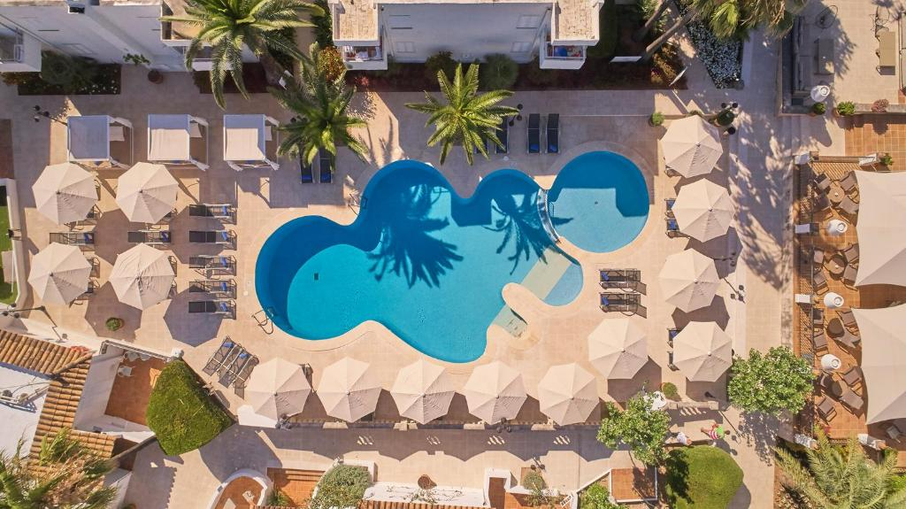 Uitzicht op het zwembad bij Prinsotel Mal Pas of in de buurt