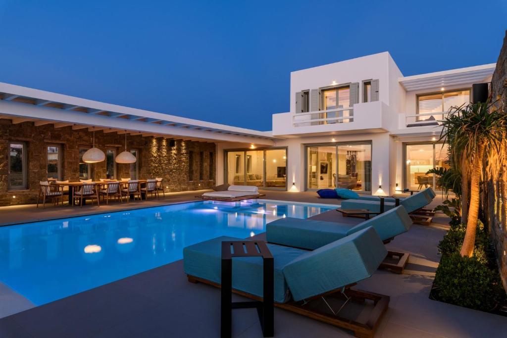 The swimming pool at or near Splendid Mykonos Luxury Villas & Suites