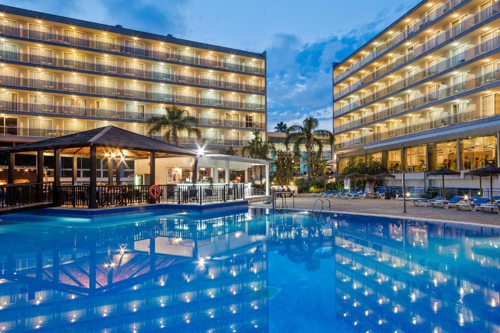 Het zwembad bij of vlak bij Sol Costa Daurada