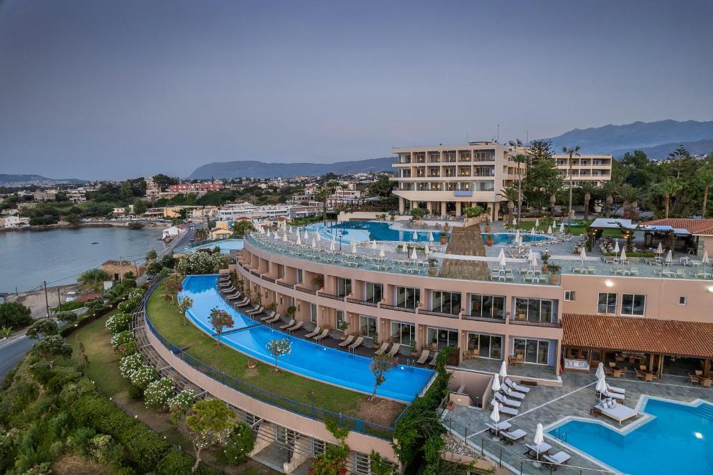 Widok na basen w obiekcie Panorama Hotel - All Inclusive lub jego pobliżu