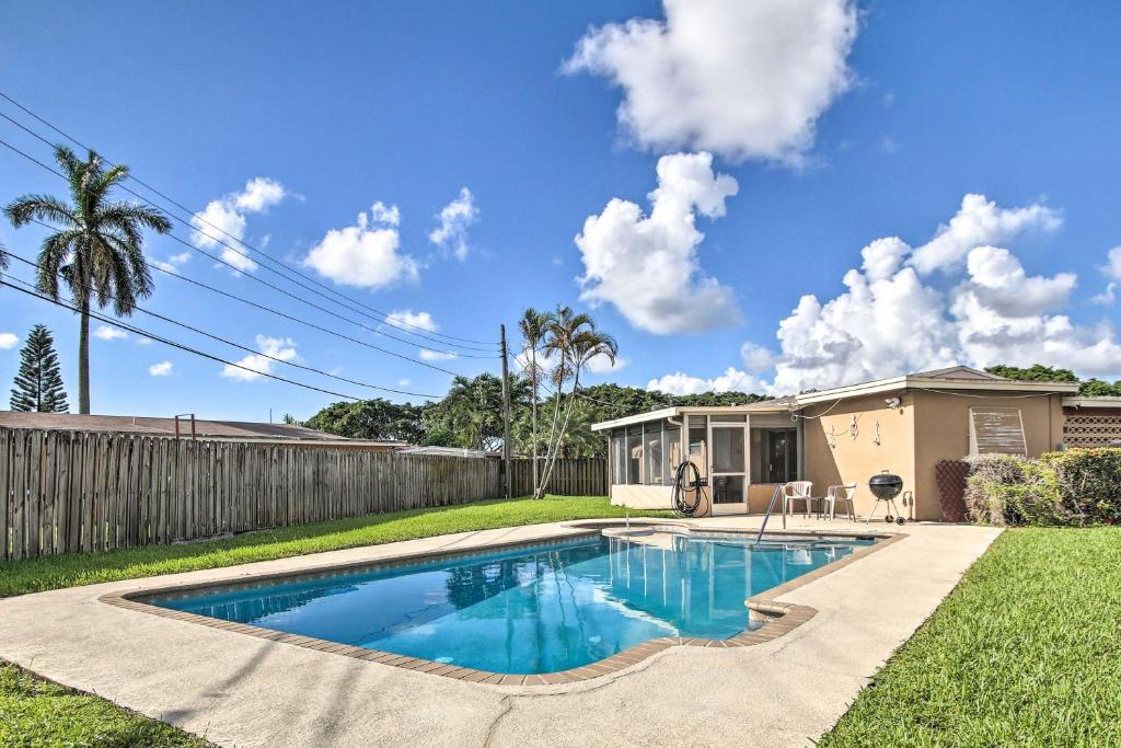 Pet-Friendly Margate House with Private Pool!