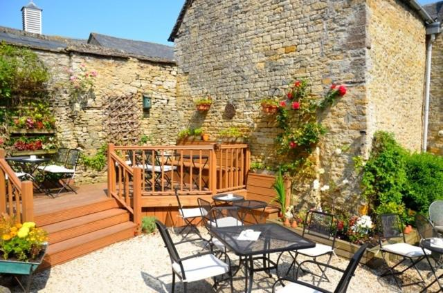 A porch or other outdoor area at Cotswold Garden Tea Rooms