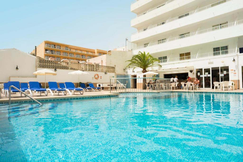 Piscine de l'établissement HSM Hotel Reina del Mar ou située à proximité