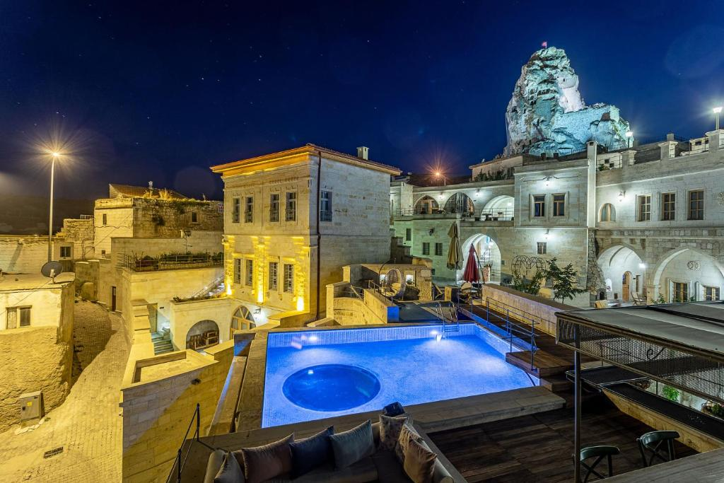 A view of the pool at Exedra Cappadocia or nearby