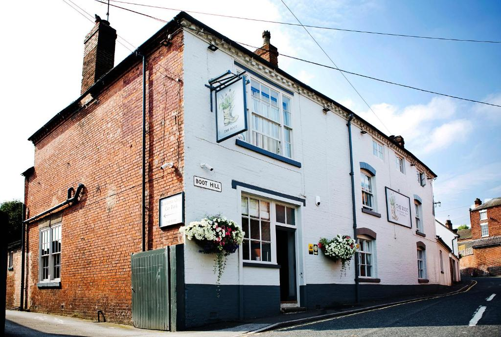 The Boot Inn in Burton upon Trent, Derbyshire, England