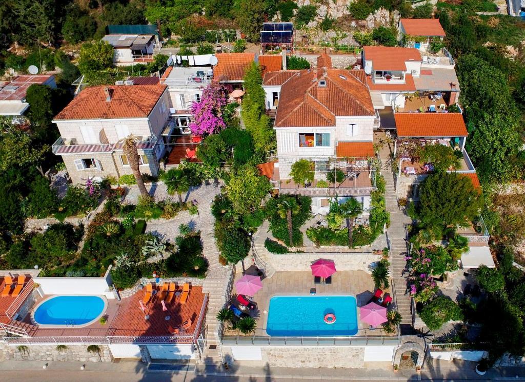 Vue panoramique sur l'établissement Villa Carmen Rooms & Apartments