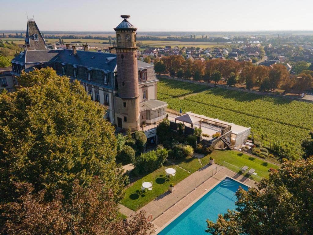 A view of the pool at Château d'Isenbourg & SPA or nearby