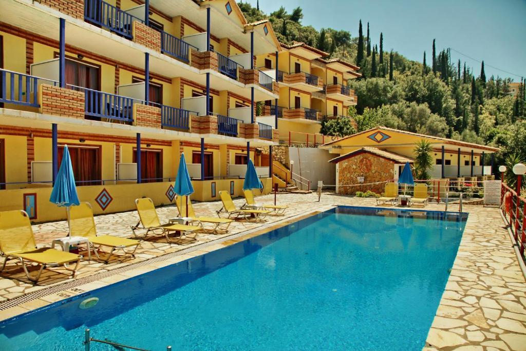Πισίνα στο ή κοντά στο Politia Hotel