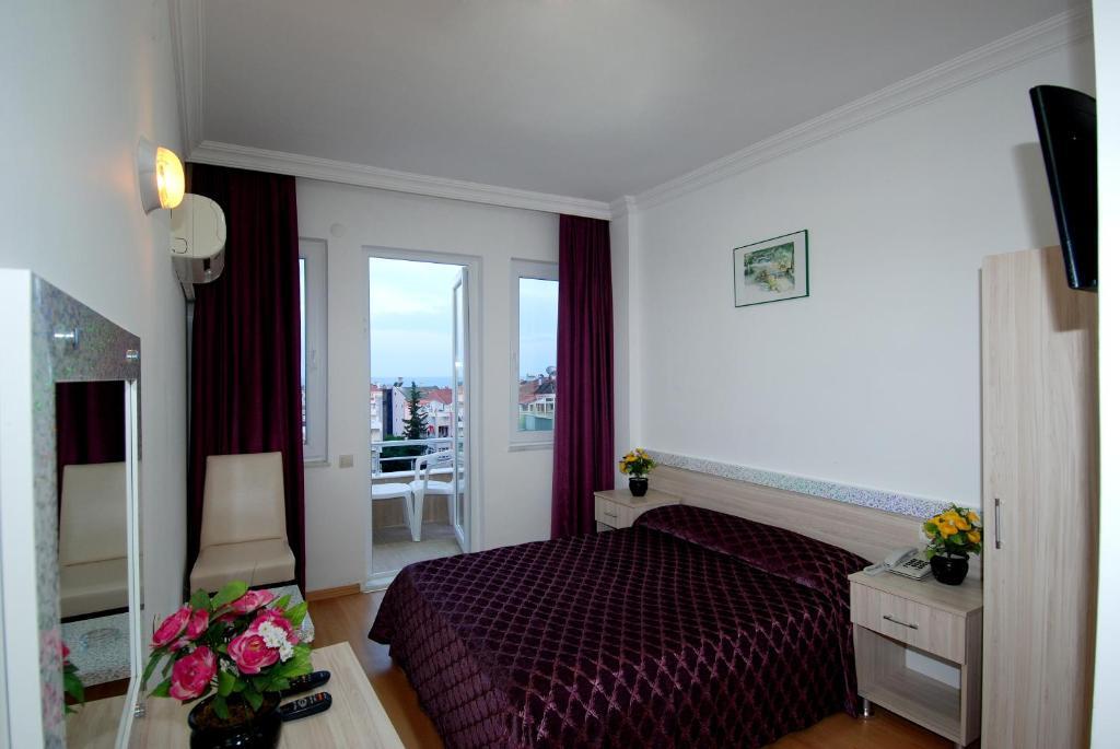 A room at Lara Diamond Hotel