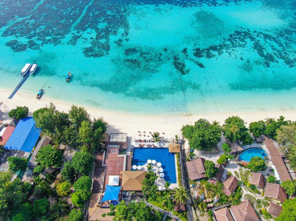 Blick auf AKIRA Lipe Resort aus der Vogelperspektive