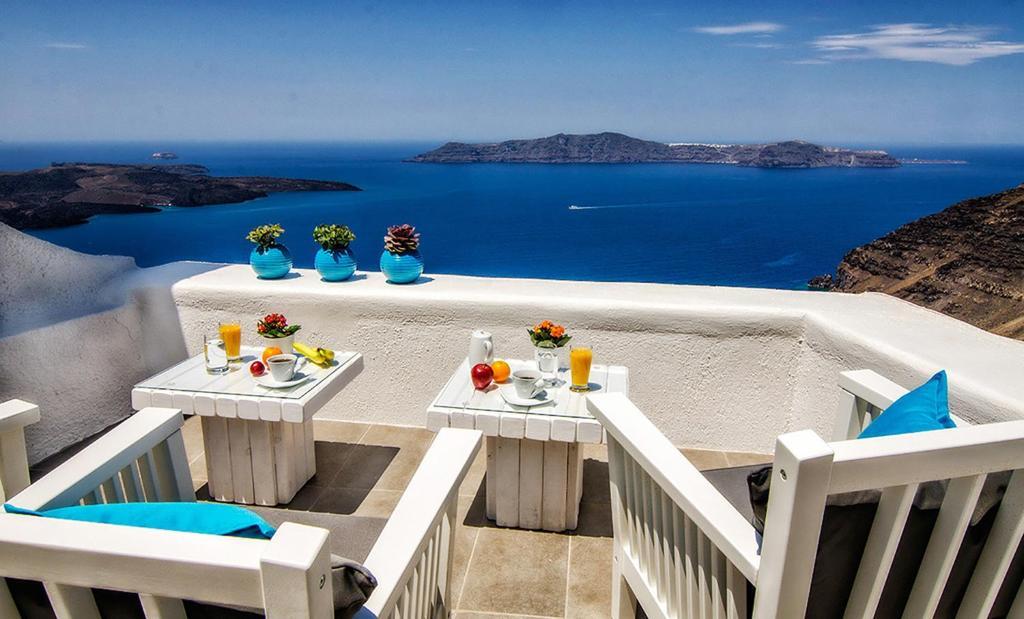 A balcony or terrace at Aerino Villa