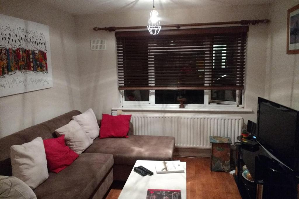 A seating area at Bright and Colourful 1 Bedroom Flat in Stoke Newington