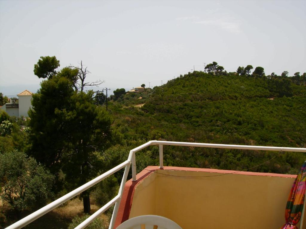 En balkong eller terrasse på Anemos Studios