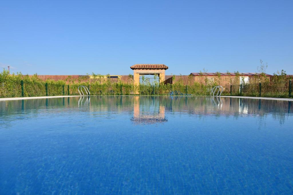 The swimming pool at or near Hotel San Miguel del Valle Amblés