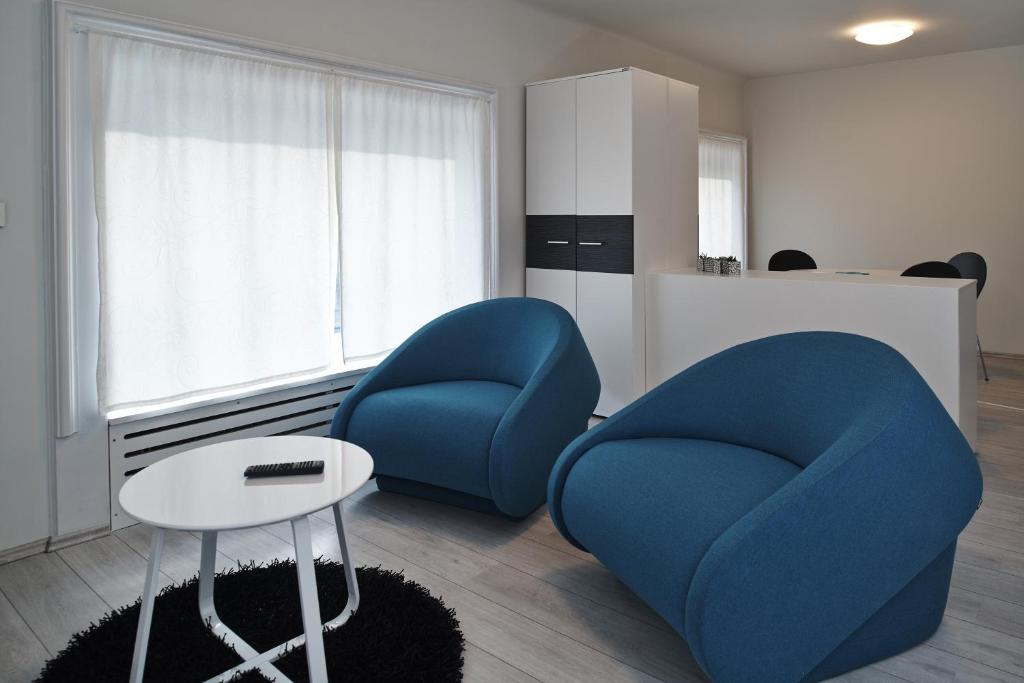 A seating area at Design Studios SVI-MI