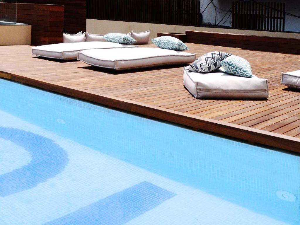 The swimming pool at or near TOC Hostel Barcelona