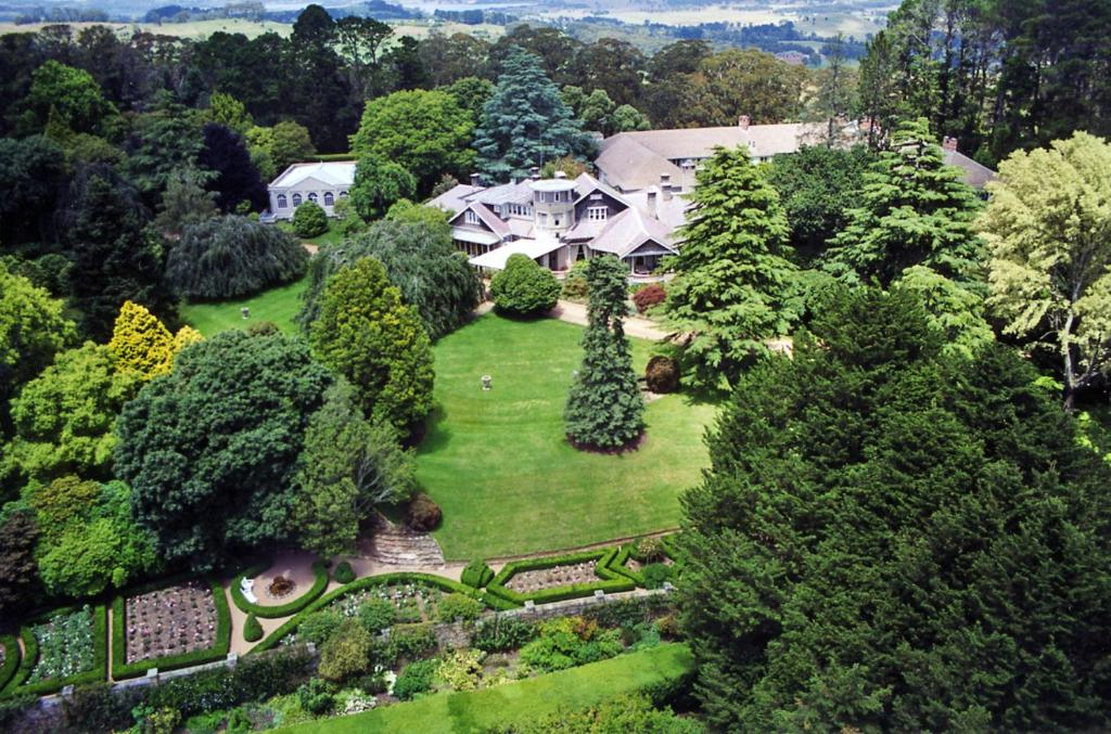 A bird's-eye view of Milton Park Country House Hotel & Spa