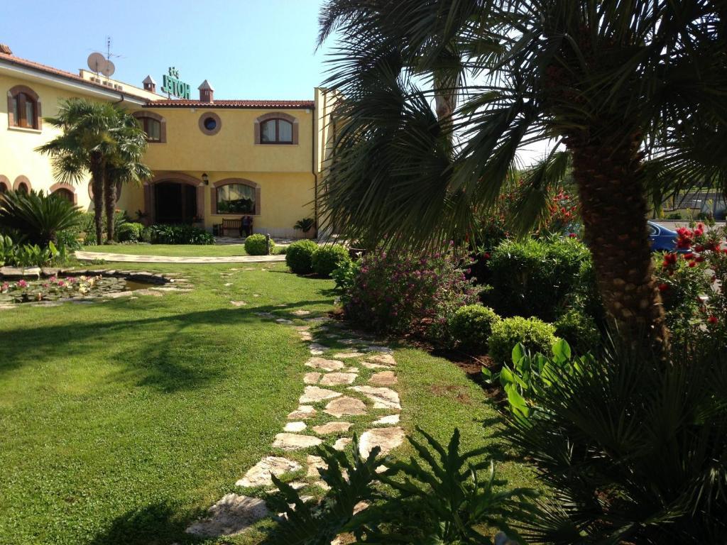 A garden outside La Locanda del Cavaliere