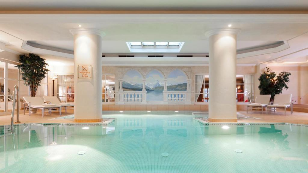 The swimming pool at or near Superior Hotel Tirolerhof - Zell am See