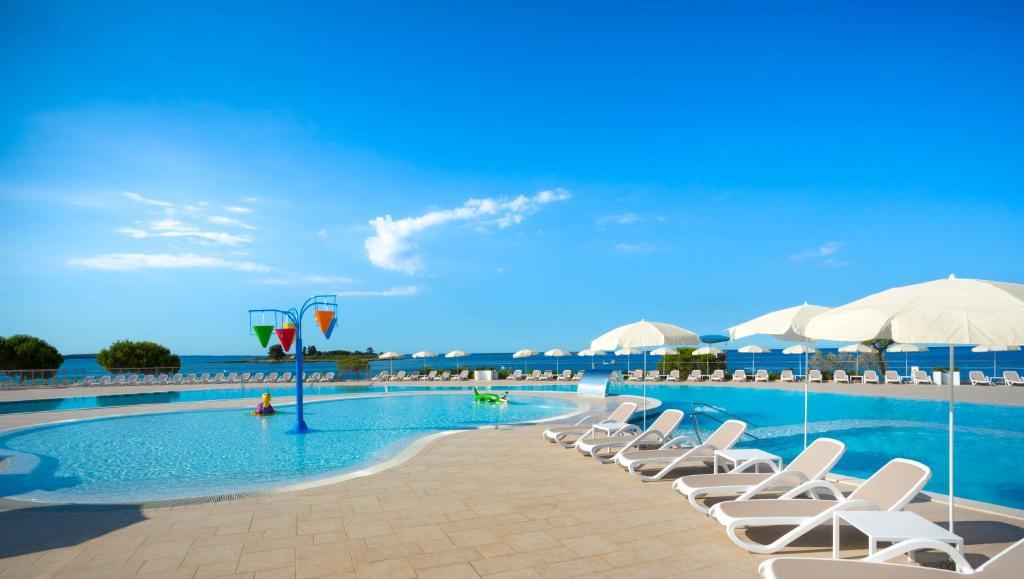 The swimming pool at or near Villas Rubin Resort