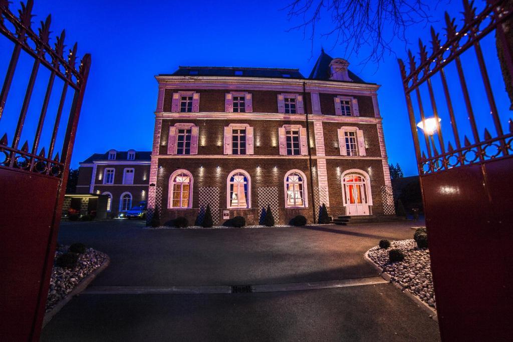 Hotel The Originals Lens Ouest La Maison Rouge (ex Qualys-Hotel) Noeux-les-Mines, France