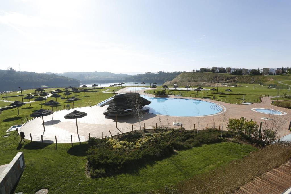 Uma vista da piscina em Montebelo Aguieira Lake Resort & Spa ou nas proximidades