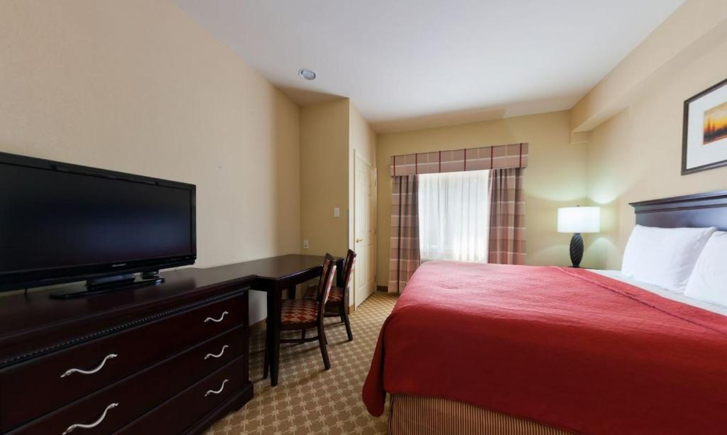 A room at the Country Inn & Suites by Radisson, Abescon.