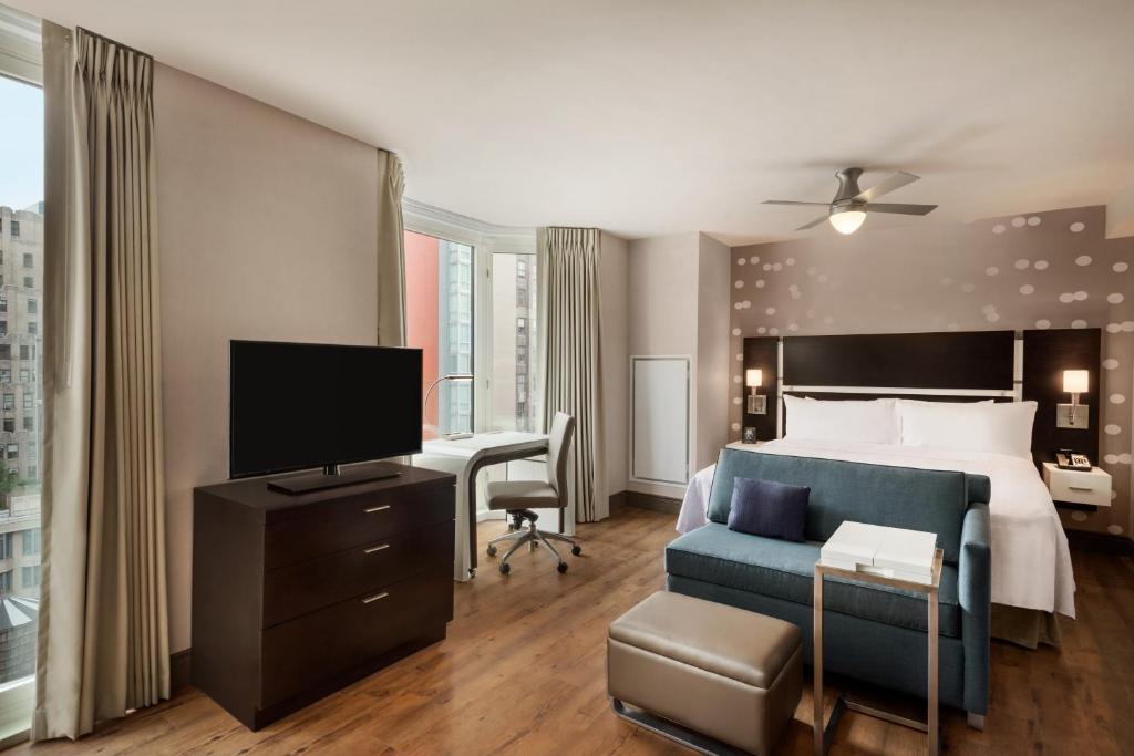 Télévision ou salle de divertissement dans l'établissement Homewood Suites Midtown Manhattan Times Square South