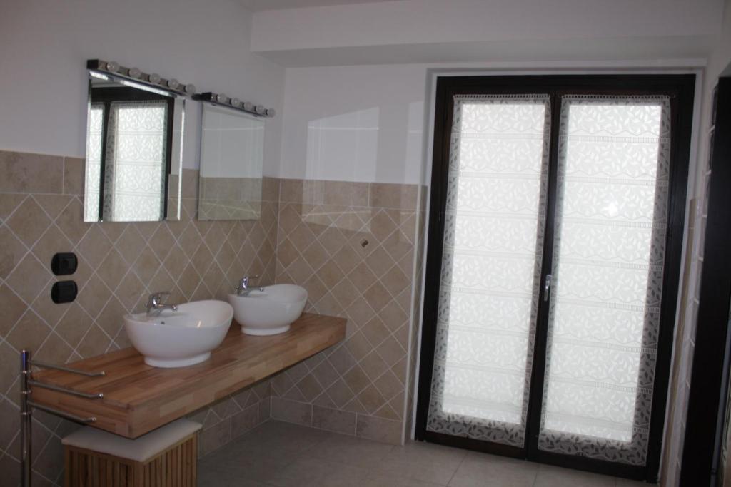 Bagno di Charming Apartment in Milan - East
