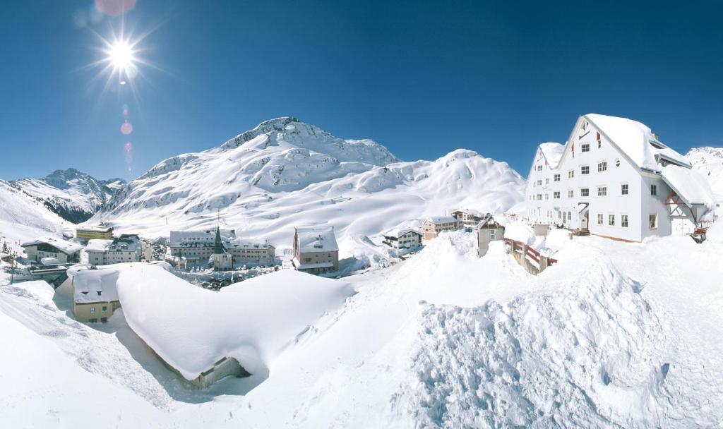 Alpenhotel St.Christoph during the winter