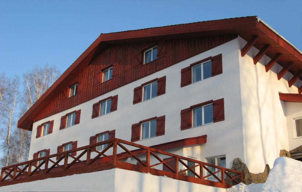 Отель 33 Медведя зимой