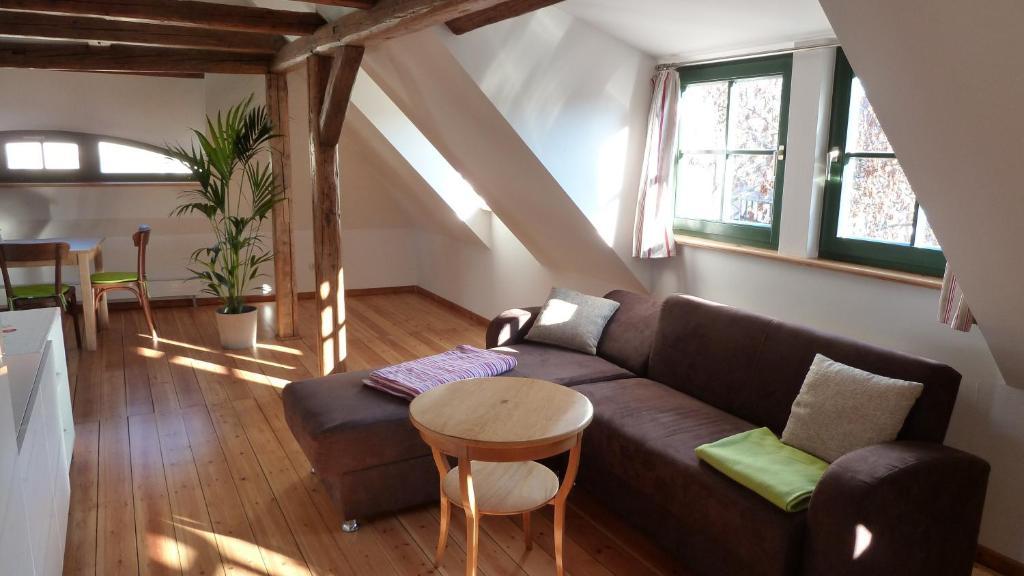 Ein Sitzbereich in der Unterkunft Ferienwohnung am Erfurter Dom