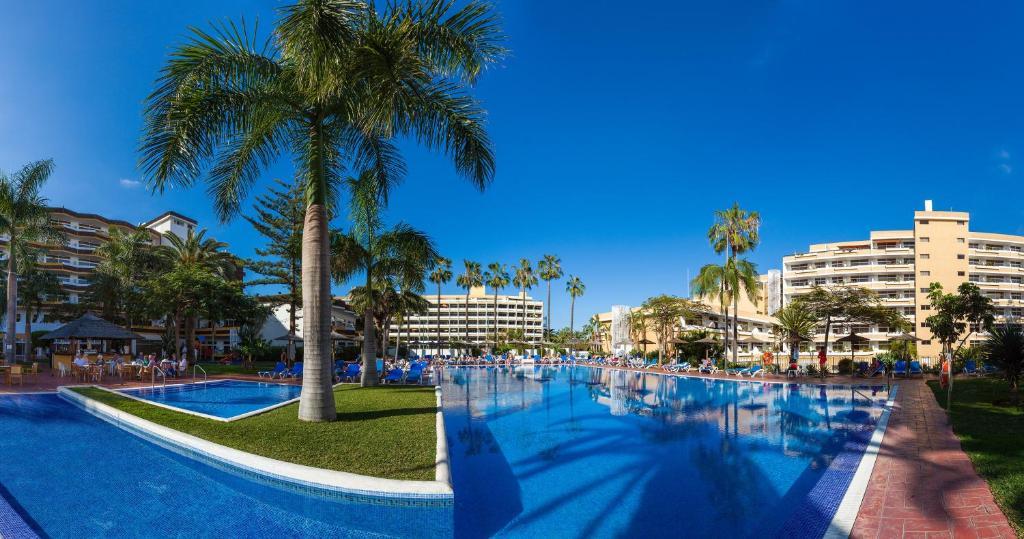 Het zwembad bij of vlak bij Complejo Blue Sea Puerto Resort compuesto por Hotel Canarife y Bonanza Palace