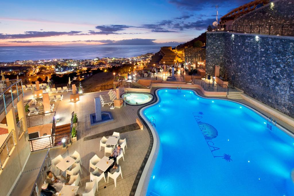 A view of the pool at Kn Aparthotel Panorámica or nearby