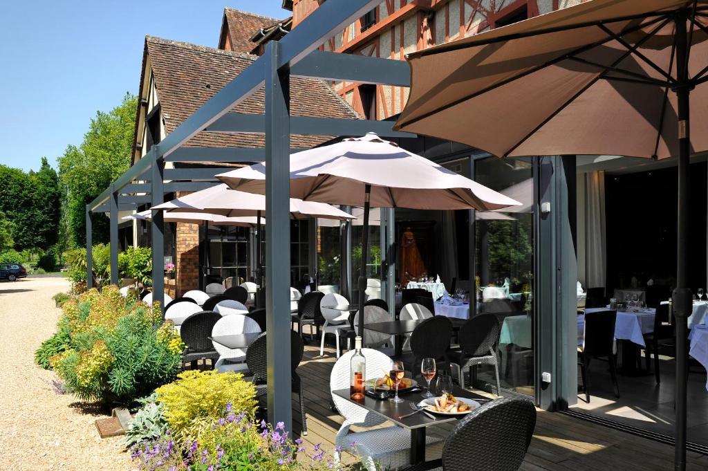 Restaurant ou autre lieu de restauration dans l'établissement Le Saint-Jacques