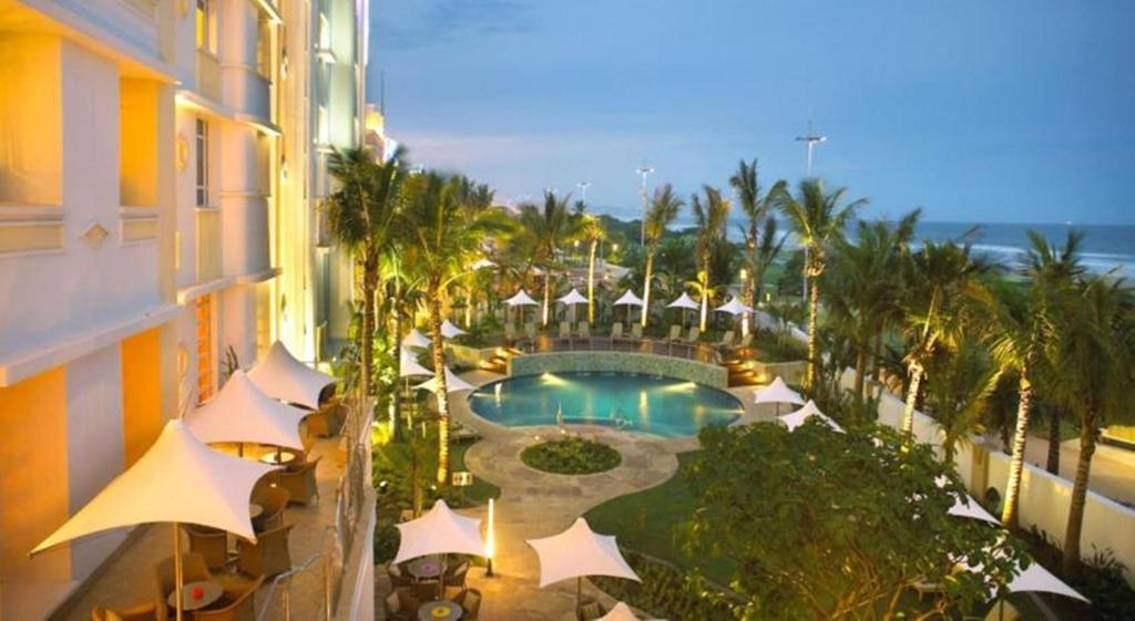 A view of the pool at SunCoast Towers-SunSquare Suncoast or nearby