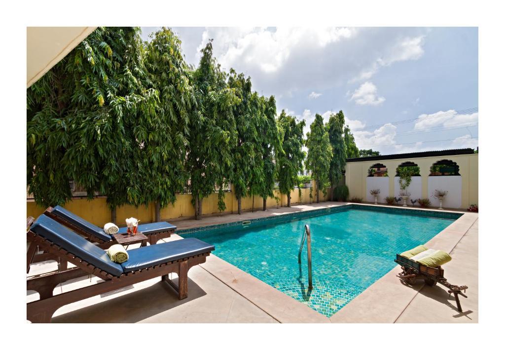 The swimming pool at or close to Dera Rawatsar - Heritage Hotel