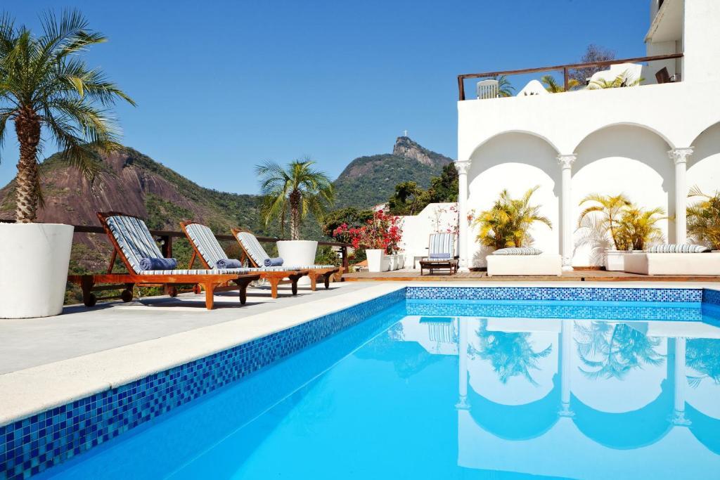 The swimming pool at or near Santa Vista Rio