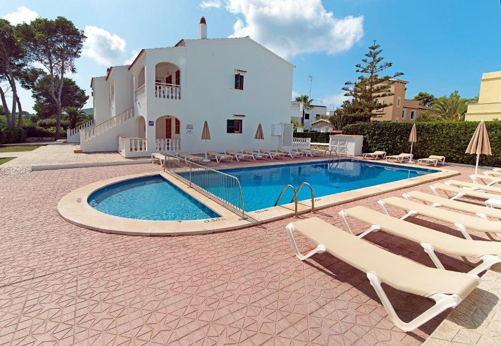 The swimming pool at or near Apartamentos Mar Blanca