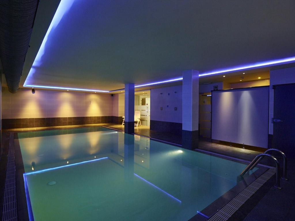 Der Swimmingpool an oder in der Nähe von Hotel Europe