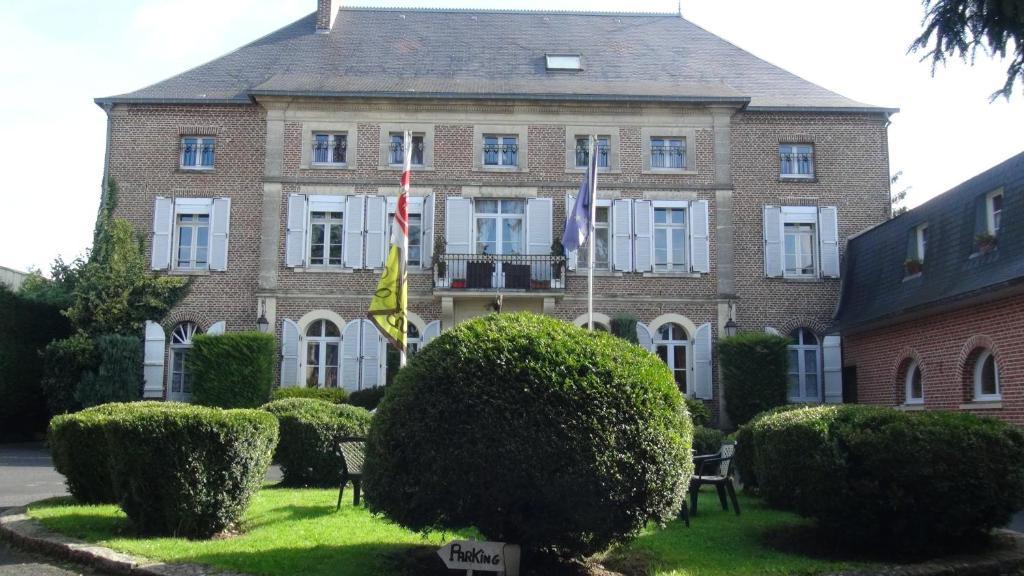 Logis Le Clos du Montvinage Rest. Auberge Val De l'Oise Etreaupont, France