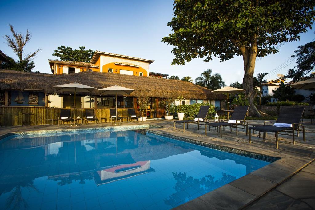 A piscina localizada em Pousada Corsario Buzios ou nos arredores