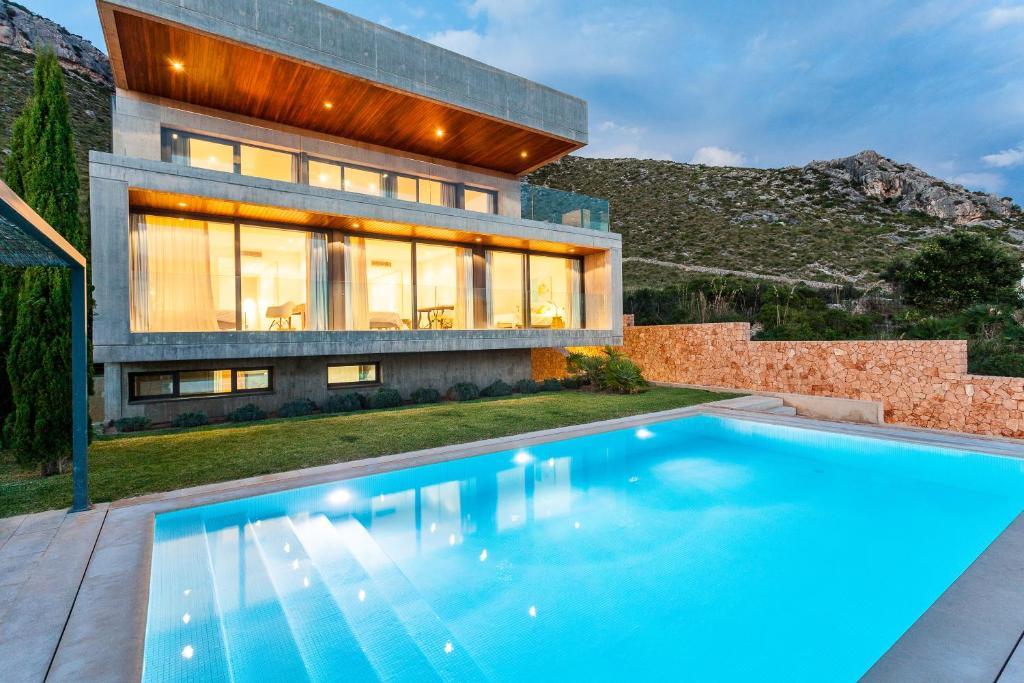 Basen w obiekcie Villas Boquer deluxe lub w pobliżu