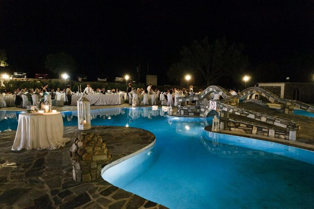 The swimming pool at or close to Vogdos Resort