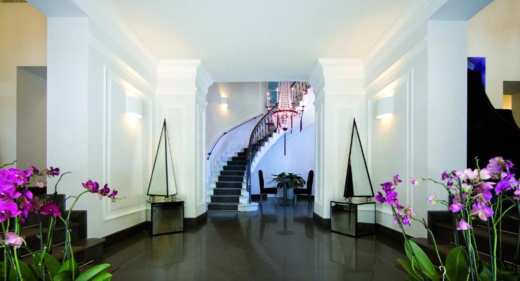 The lobby or reception area at Albergo Palazzo Decumani