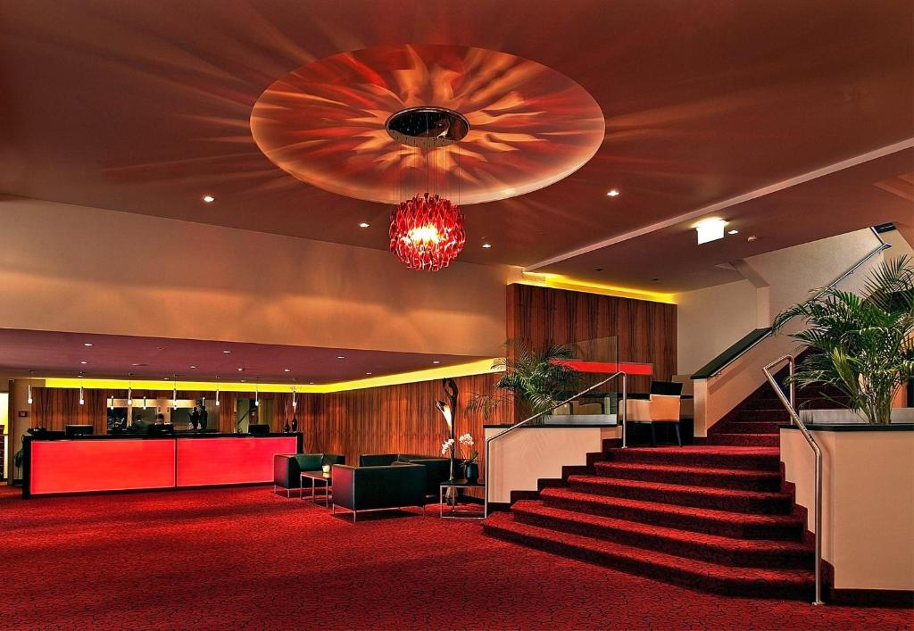 The lobby or reception area at Best Western Plaza Hotel Wels