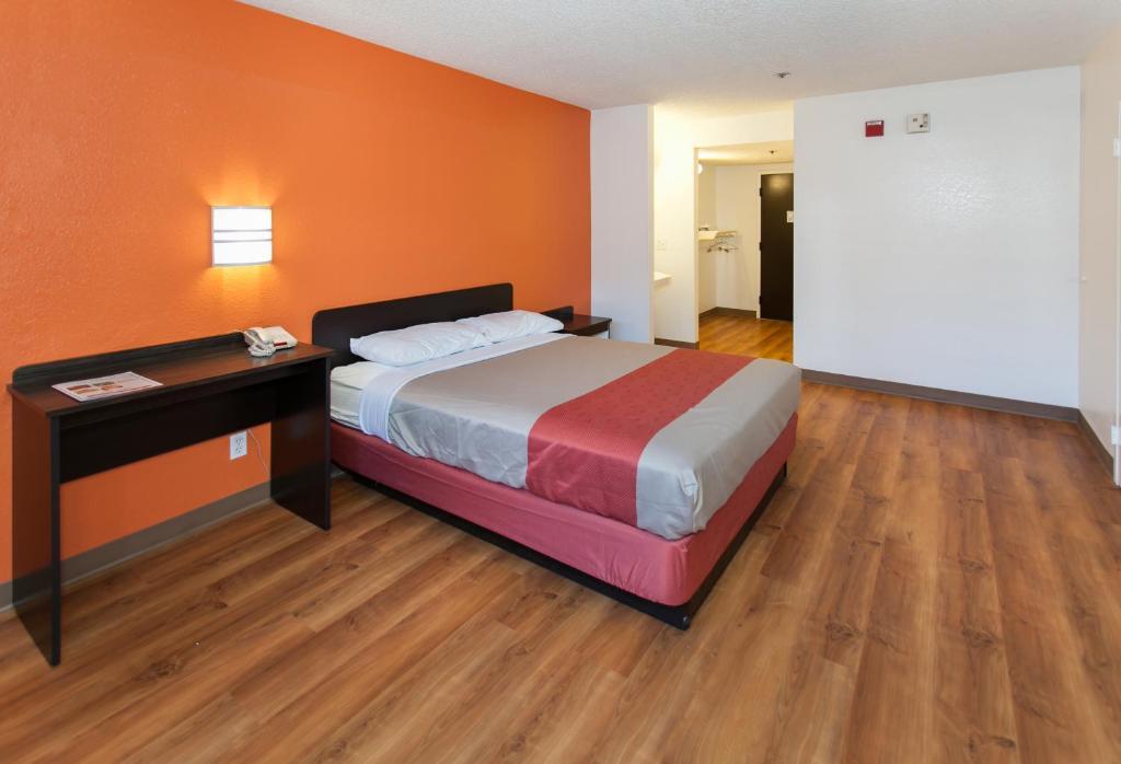 A room at the Motel 6 - Los Angeles, CA - Los Angeles - LAX.